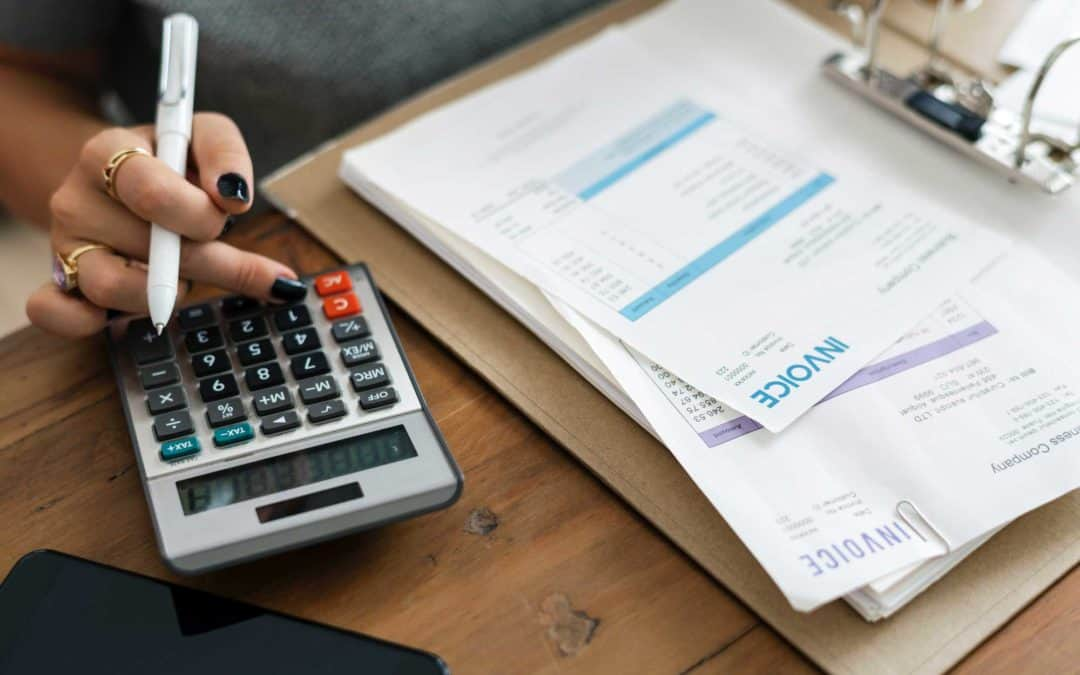 How To Control Spending With A Simple Budget