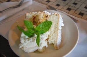 ALABAMA Slice of lane cake courtesy of wikimedia 1