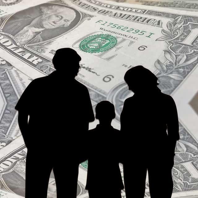 Dollar-bills-family