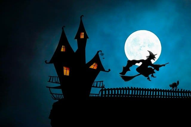 Halloween-decor-haunted-house-witch-full-moon