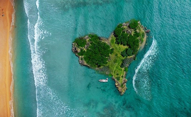 island-shaped-in-a-heart-with-a-boat